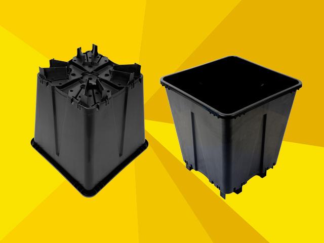 Beekenkamp Voegt Nieuwe 16 Liter Vierkante Pot Toe Aan Serie Potten Voor Bessen En Bramenteelt